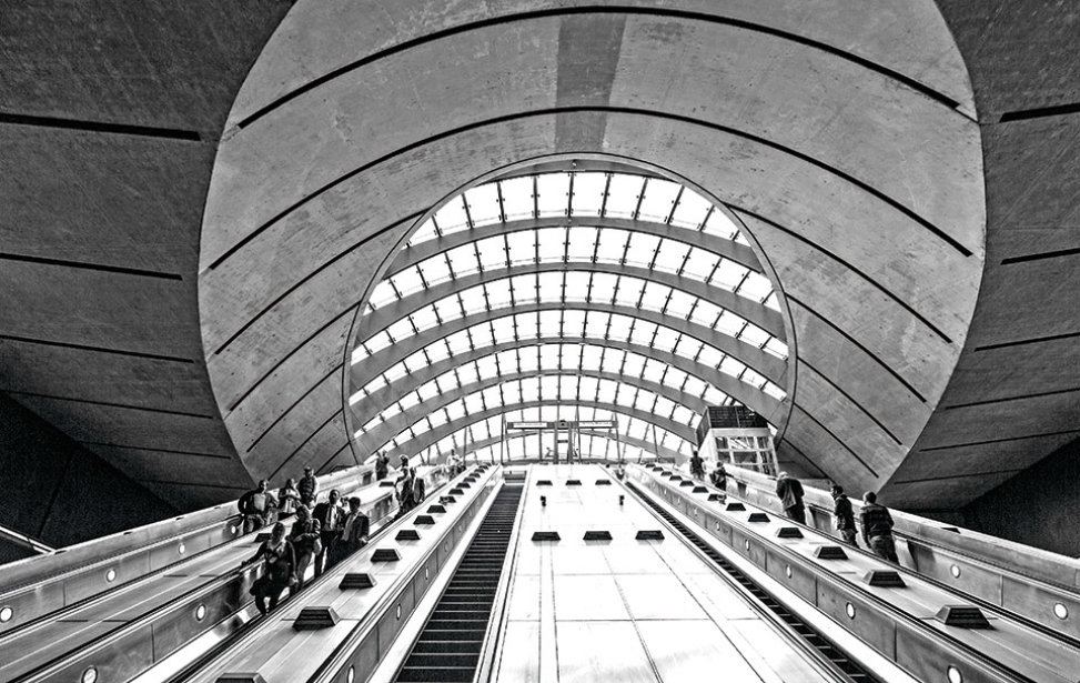 960x640_lon_escalator-canary-wharf.jpg